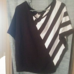 Chelsea & theodore womens size M bat wing blouse